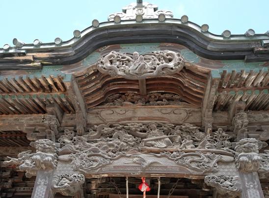 慈眼寺の彫刻.JPG